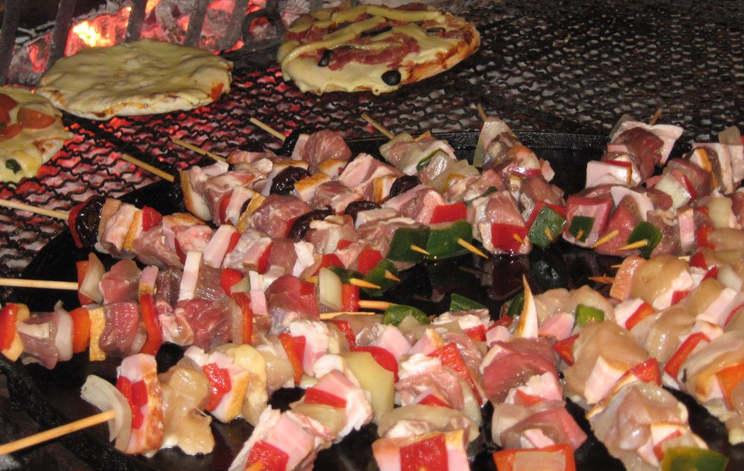 Pizzetas & Buffet de Brochettes