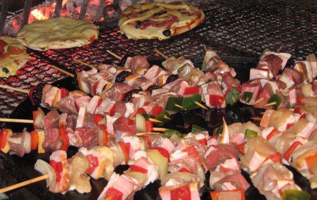 Pizzetas & Buffet de Brochettes
