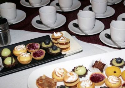 8-Cafe-petit-fours